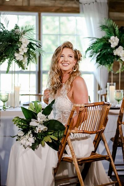 Tropical Wedding-Cross Creek Ranch-a chair affair