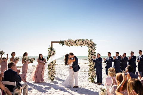 romantic-garden-wedding-the-don-cesar-a-chair-affair