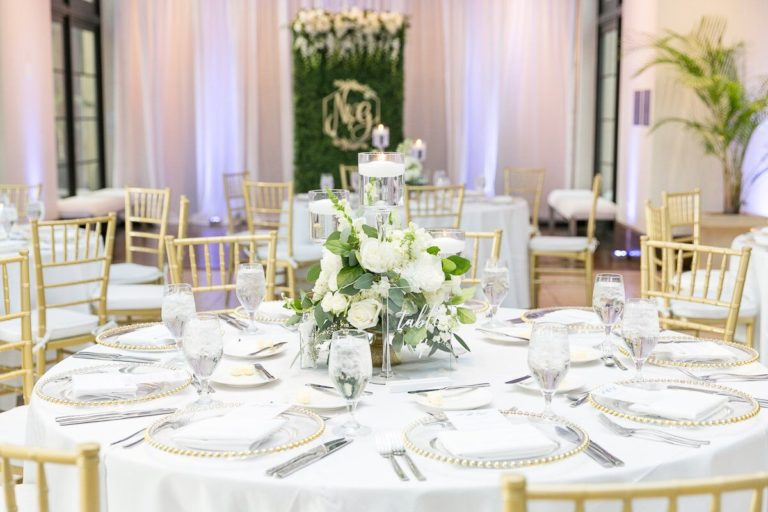 Alfond Inn reception decor